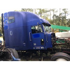 Freightliner FLD 120 1997 Year Model Cab